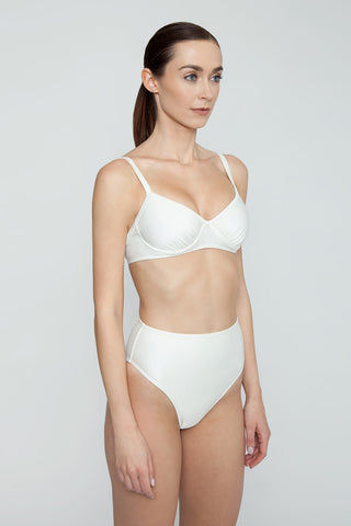 AGUA DE COCO Brazilian High Waist Bikini Bottom - Off White Bikini Bottom | Off White| Agua De Coco Brazilian High Waist Bikini Bottom - Off White White bikini bottom High waist High cut leg Cheeky coverage Side View