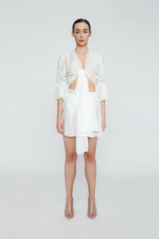 AGUA DE COCO Orla Cotton High Waist Shorts - White Shorts | White| Agua De Coco Orla Cotton High Waist Shorts - White White high waist shorts  Front tie waist detail Front View