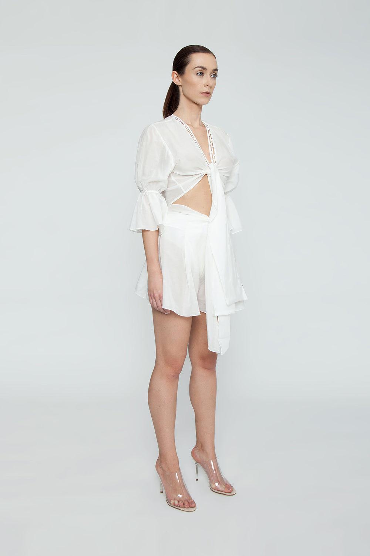 AGUA DE COCO Orla Cotton High Waist Shorts - White Shorts | White| Agua De Coco Orla Cotton High Waist Shorts - White White high waist shorts  Front tie waist detail Side View