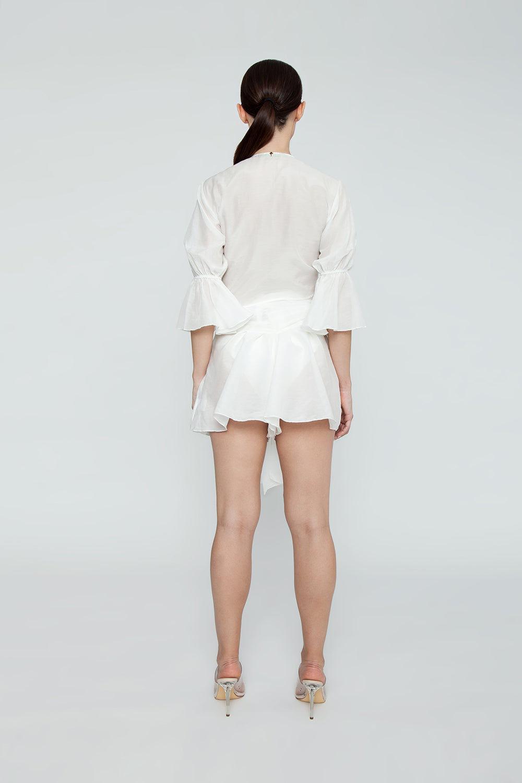 AGUA DE COCO Orla Cotton High Waist Shorts - White Shorts | White| Agua De Coco Orla Cotton High Waist Shorts - White White high waist shorts  Front tie waist detail Back View