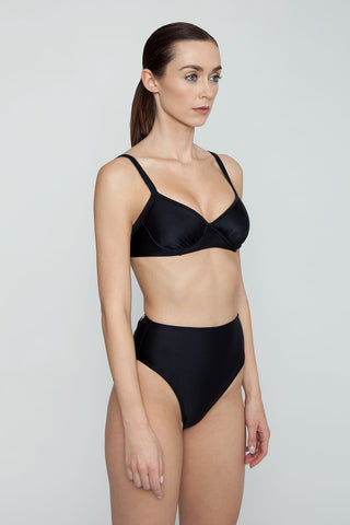 AGUA DE COCO Underwire Fixed Bikini Top - Black Bikini Top | Black| Agua De Coco Underwire Fixed Bikini Top - Black Black bikini top Underwire detail Adjustable shoulder straps  Back tie closure Side View