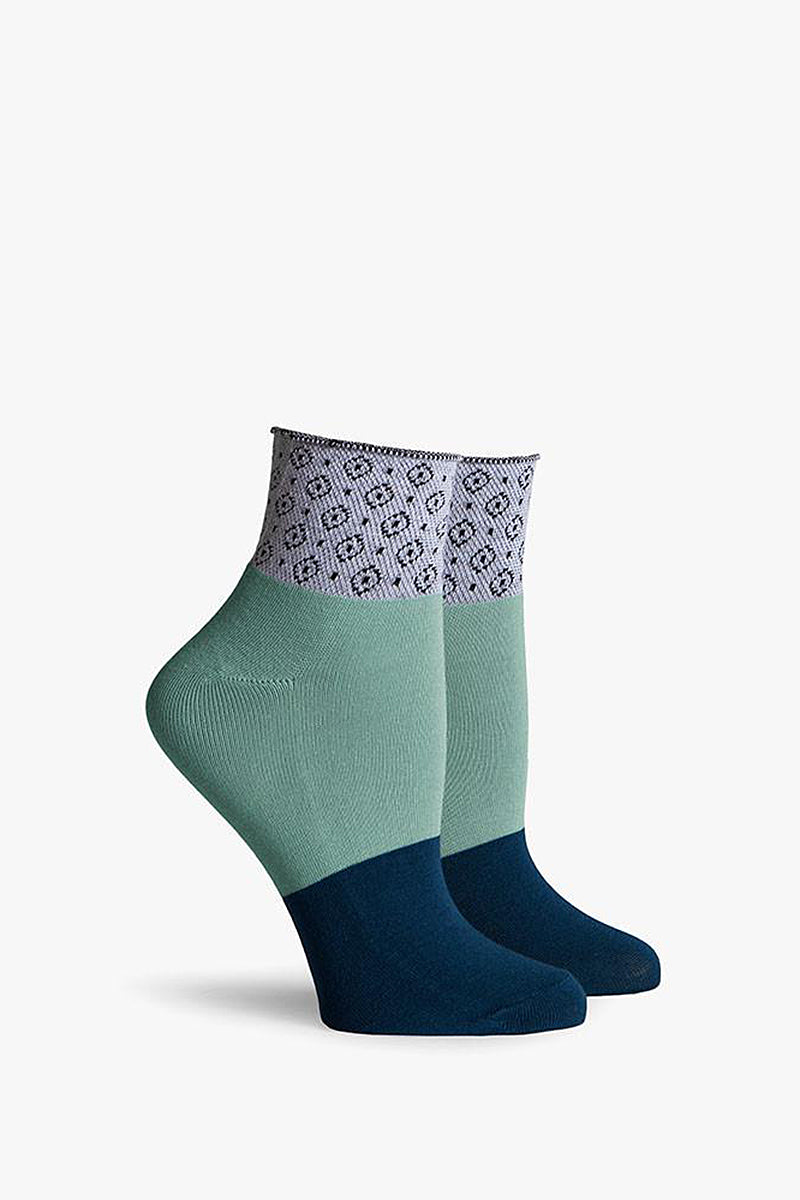 RICHER POORER Navy Mint Celina Ankle Accessories | Navy Mint| Richer Poorer Navy Celina Ankle Color Block Ankle Socks Combed Cotton Blend Arch Support Reinforced Toe and Heel Versatile Design