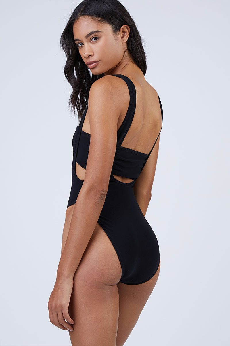NORMA KAMALI Bandeau Bikini Top - Black Bikini Top   Black  Norma Kamali Bandeau Bikini Top - Black  Features:  Bandeau style Strapless  Tie closure in the front or back  Back View