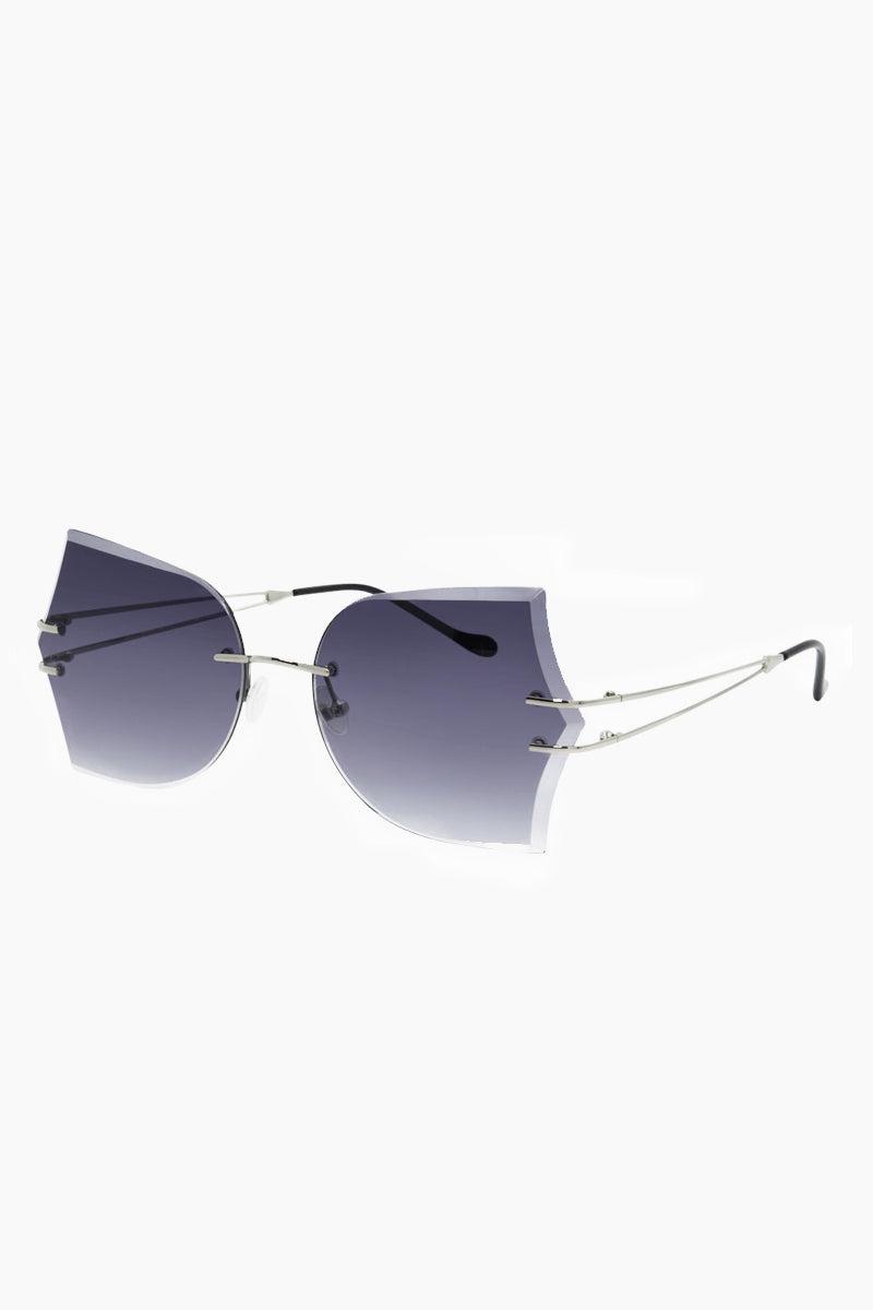 I-SEA Tallulah Sunglasses - Silver Sunglasses | Silver| I-Sea Tallulah Sunglasses - Silver Oversized Sunglasses Frame Color: Silver Lens Color: Smoke   Adjustable Nose Pads 100% UV / UVB Protection Side View