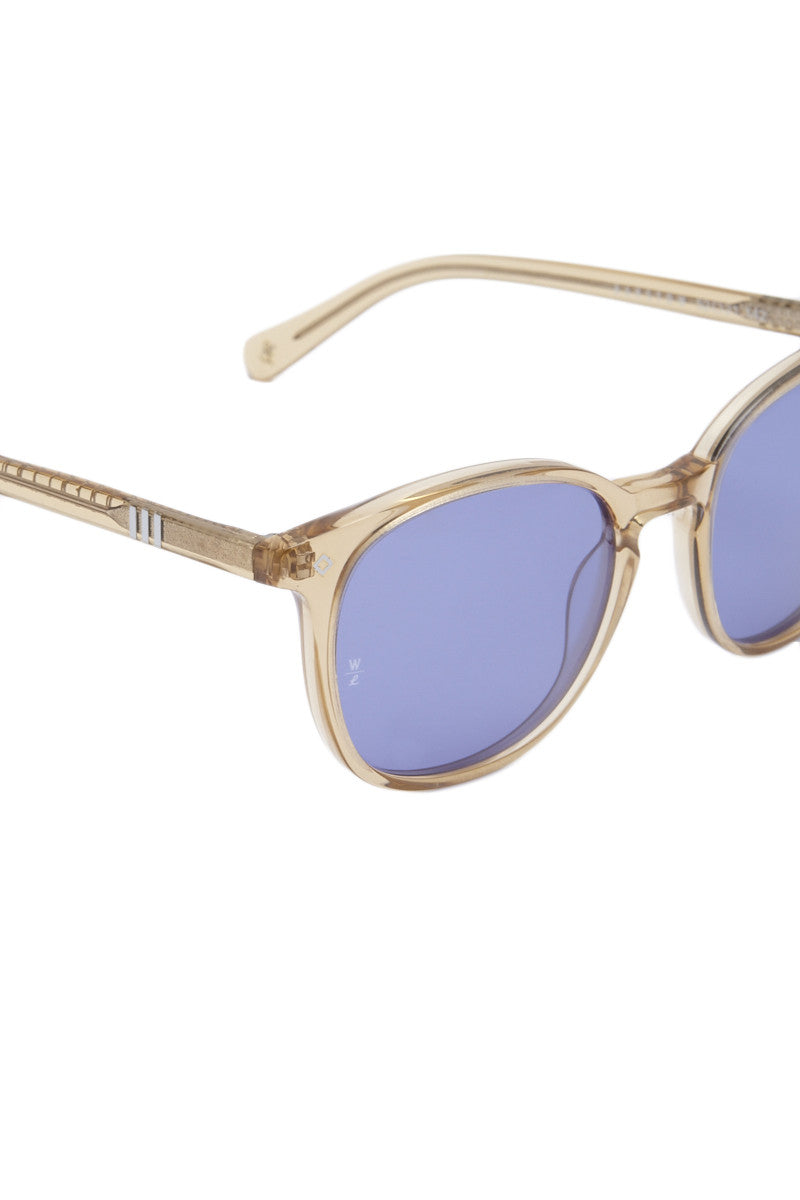 WONDERLAND SUNGLASSES Barstow Sunglasses - Clear/Blue Sunglasses | Clear| Wonderland Sunglasses Barstow