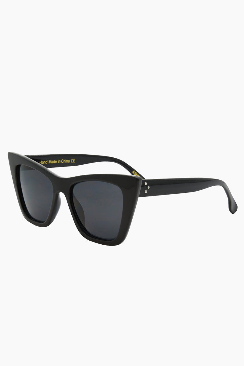 I-SEA Ashbury Sunglasses - Black Sunglasses | Black| I-Sea Ashbury Sunglasses - Black Oversized Sunglasses  Frame Color: Black  Lens Color: Smoke  Side View