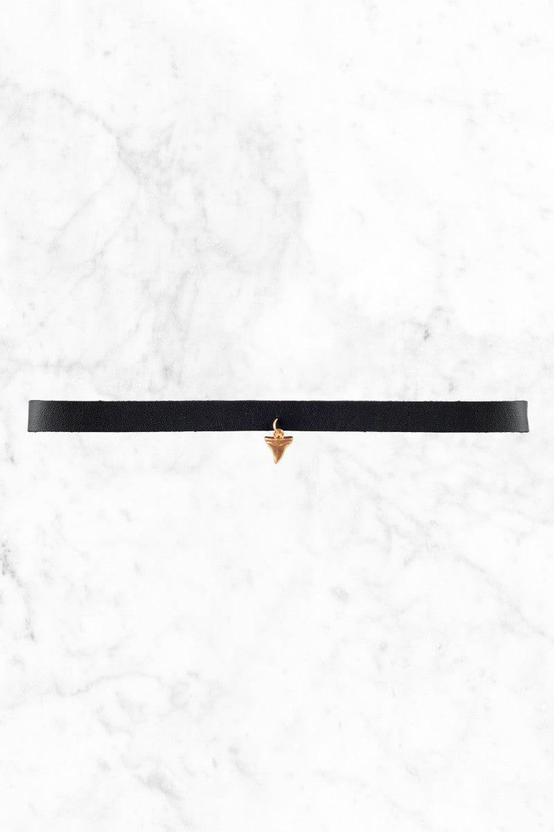 BIKINI.COM Shark Tooth Choker Jewelry | Black|