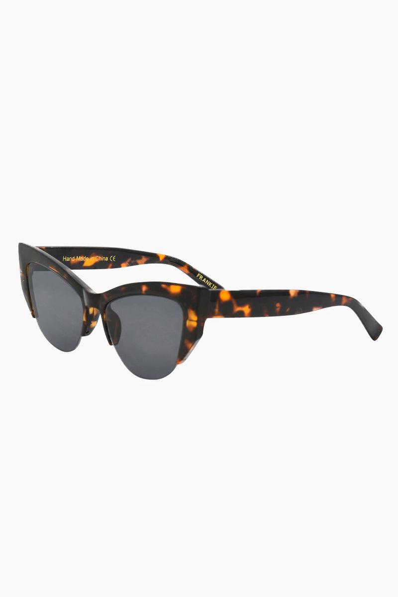 I-SEA Frankie Sunglasses - Tortoise Sunglasses | Tortoise| I-Sea Frankie Sunglasses - Tortoise Cat-Eyed Under Cut Sunglasses Frame Color: Tortoise Lens Color: Smoke   100% UV / UVB Protection Side View