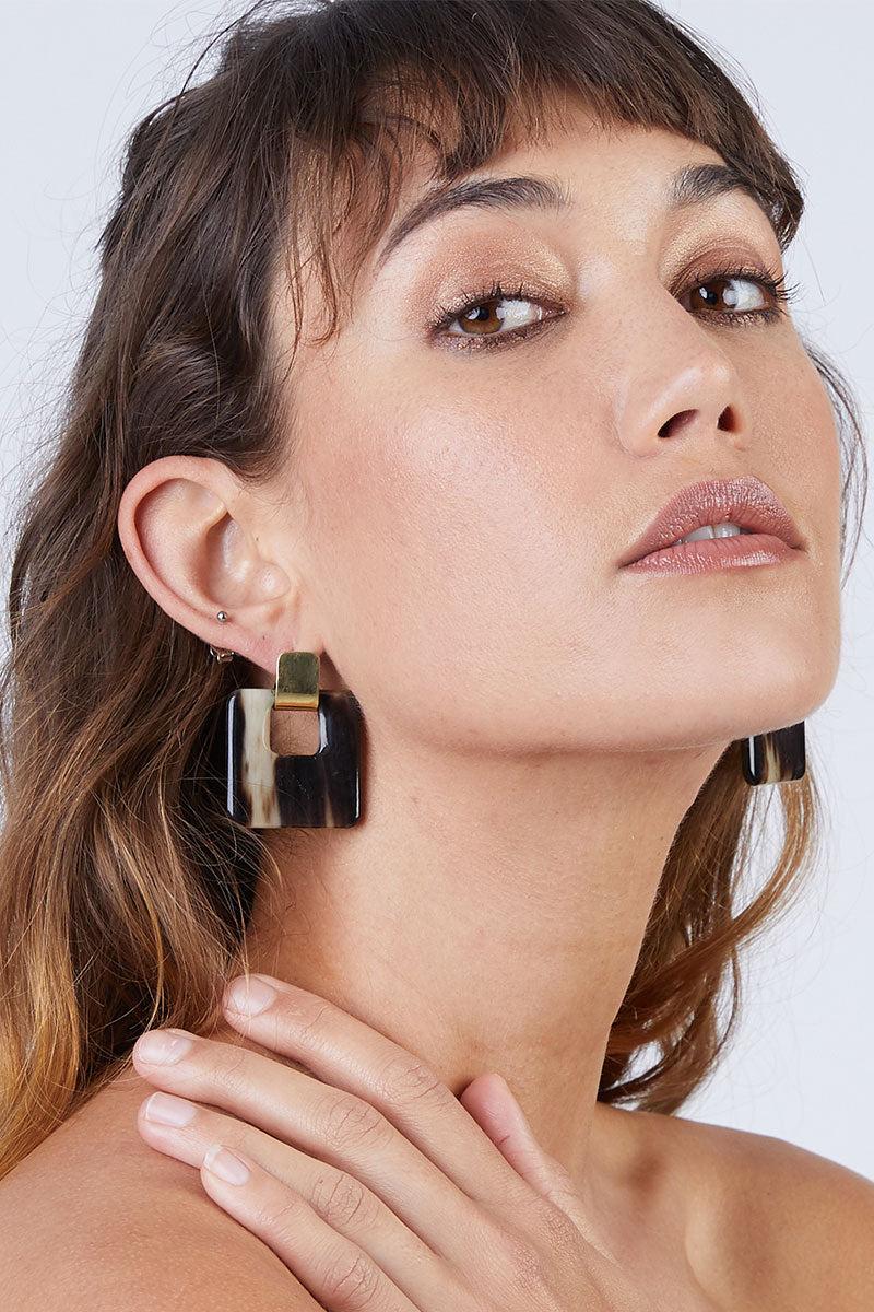 SOKO JEWELRY Horn Door Knocker Earrings - Brass/Black Jewelry | Brass/Natural|