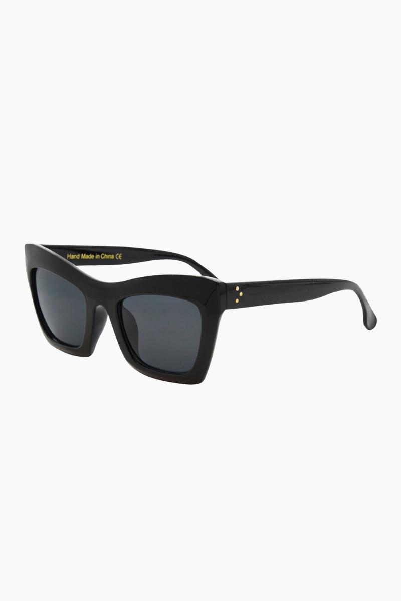 I-SEA Oasis Sunglasses - Black Sunglasses | Black| I-Sea Oasis Sunglasses - Black Oversized Thick Frames Sunglasses Frame Color: Black Lens Color: Smoke 100% UV / UVB Protection Side View