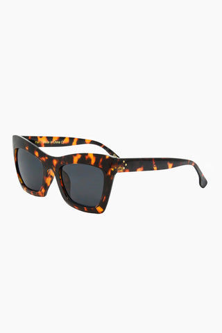 I-SEA Oasis Sunglasses - Tortoise Sunglasses | Tortoise| I-Sea Oasis Sunglasses - Tortoise Oversized Thick Frames Sunglasses Frame Color: Tortoise Lens Color: Smoke 100% UV / UVB Protection Side View