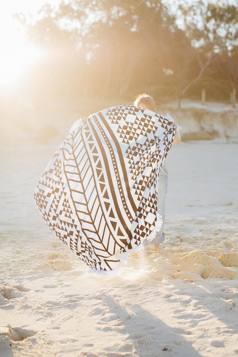 THE BEACH PEOPLE Aztec Round Towel Towel | Aztec|