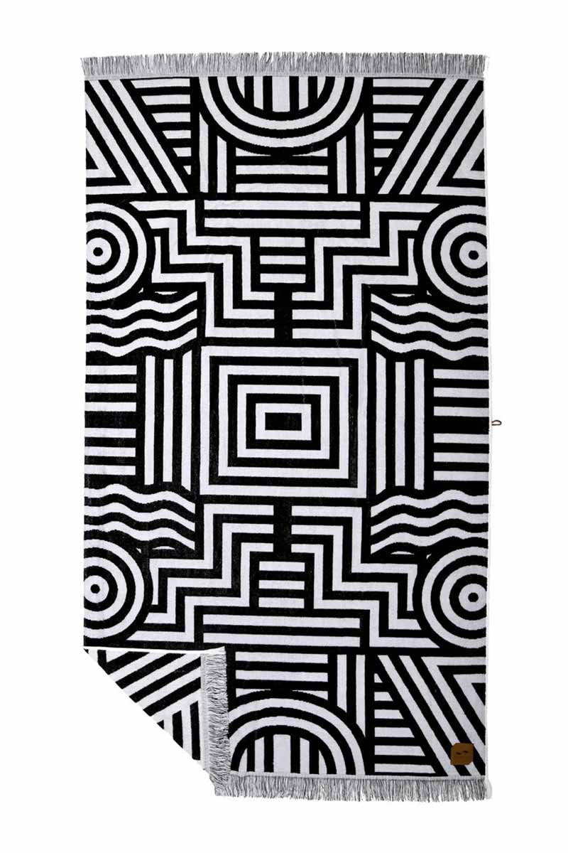SLOWTIDE Visions Towel Towel | Black|Slowtide Visions Towel