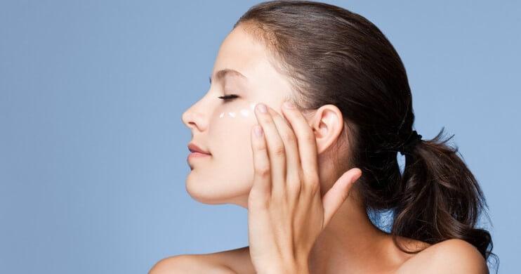 Manfaat Peeling Wajah