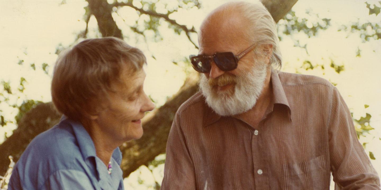 Astrid Lindgren och Olle Hellbom under inspelningen av Rasmus på luffen