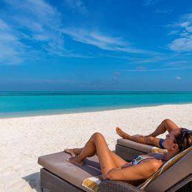 BEACH VILLAS / Cocoon Maldives Resort / 7 Nights