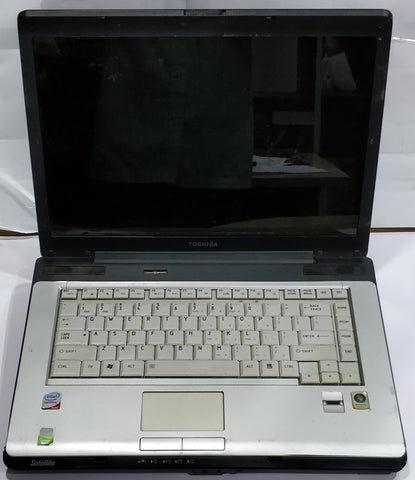 """Dead Toshiba Satellite (PSAF3L-0SR012) 15.4"""" 128GB HDD 2GB RAM Black Laptop"""