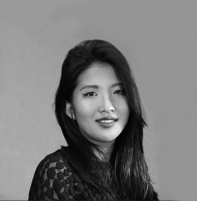 Saneun Hwang bust magazine interview header 7e528