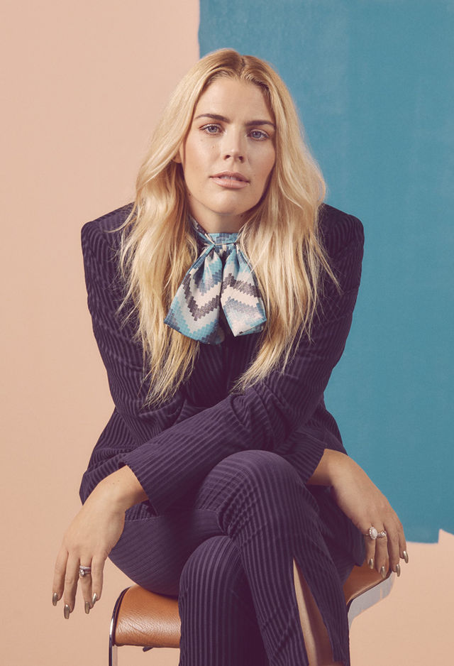RROSALES BUST BUSY PHILIPPS 0607 a6205