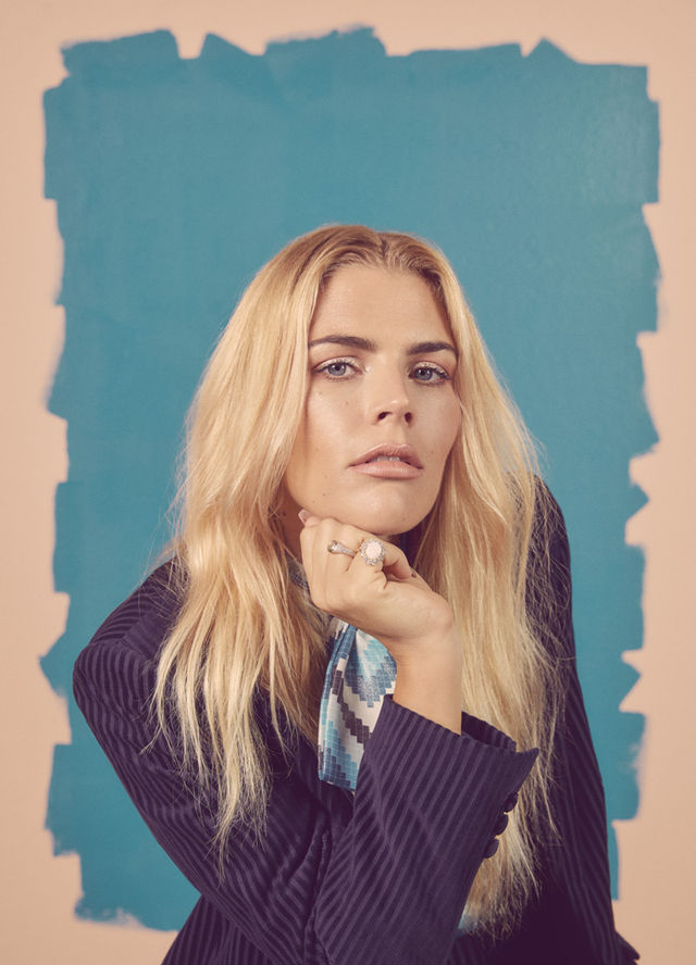 RROSALES BUST BUSY PHILIPPS 0687 f9e2d