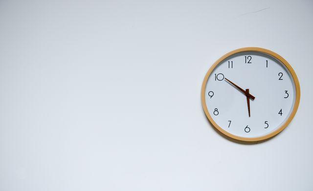 arrows circle clock 707582 03f85