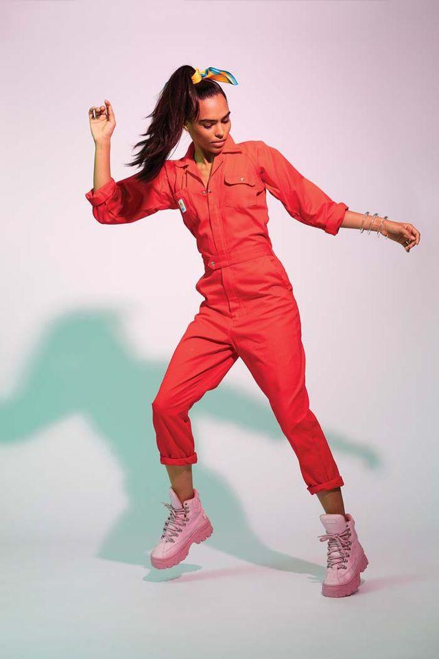 bust jumpsuits 01 090 retouced 1 da509