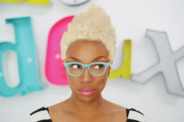 web maya white hair and glasses2 b7e19