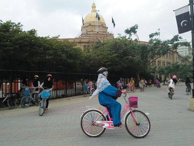 pakistani bikers cbf52