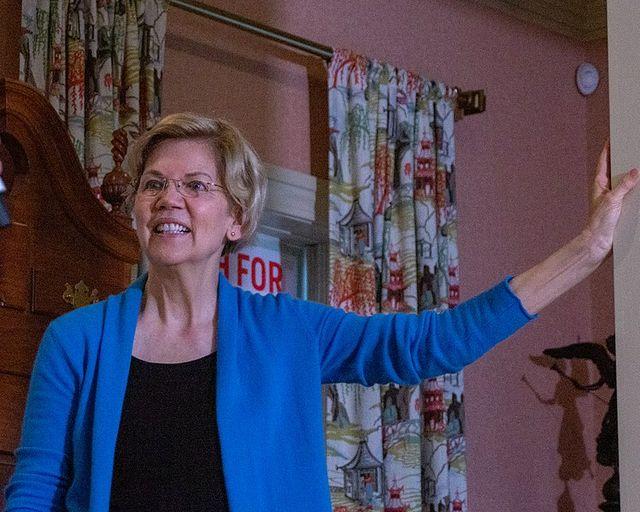 749px Elizabeth Warren 47753696611 20199