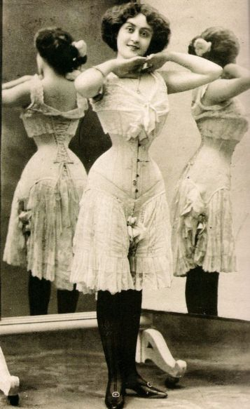 corsets 24df3