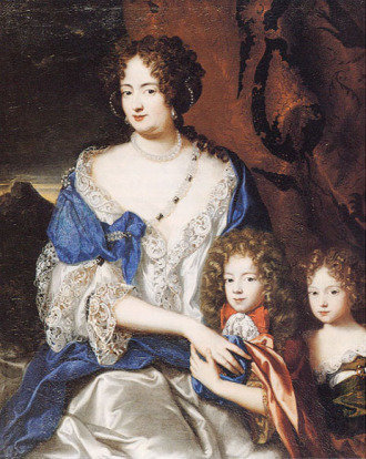 sophia with children 2cbda