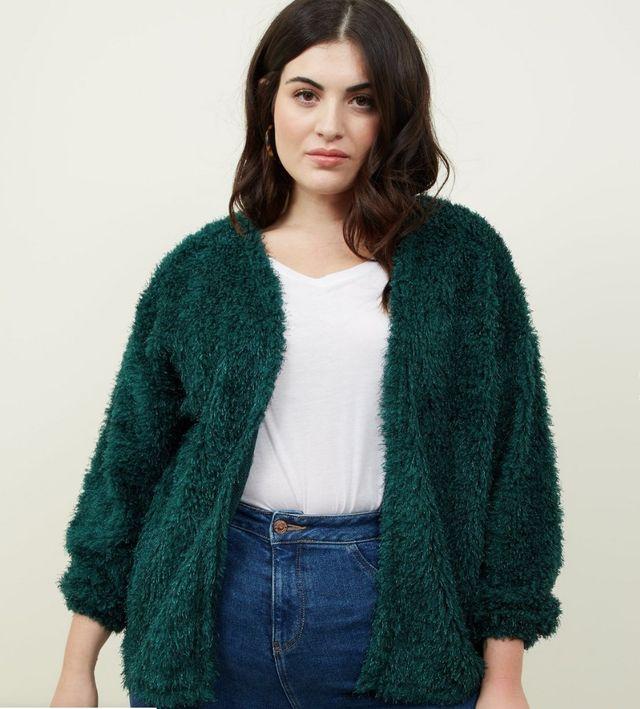 green sweater 84a11