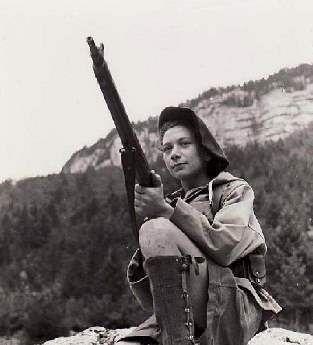 nancy wake with gun 94a39