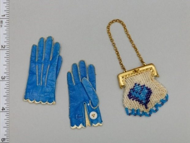 Miss Fanchons Gloves late 1860s 1870s and Dolls Handbag late 1860s 1870s e1538951324671 5cea1