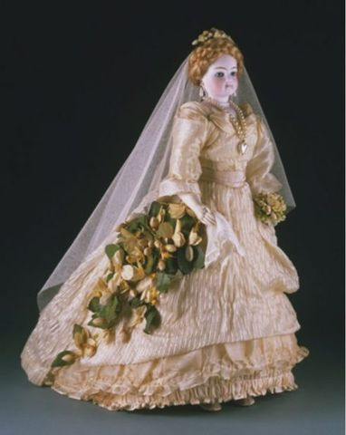 Miss French Mary Fashion Doll around 1875 France e1538951869873 8497d