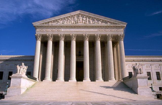 supreme court 546279 960 720 40164