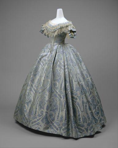 1860 american silk ball gown 2 via met museum e6673