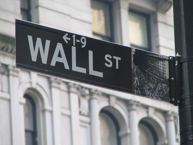 800px Wall Street Sign 25774