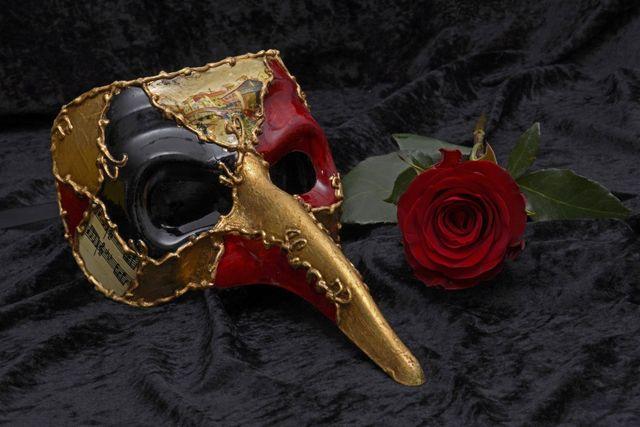 mask carnival venice mysterious close romance carneval venezia 1371678 d74cd