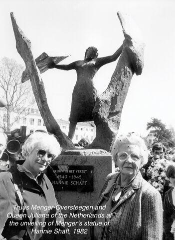truus juliana sculpture.hsm 8d13c