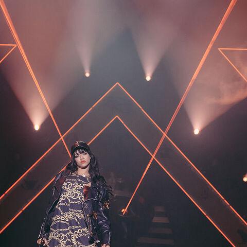 640px Rihanna performing at Kollenfest 2012 9da95