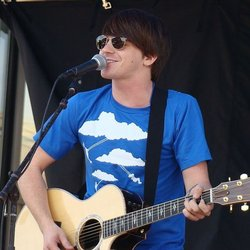 1024px Drake Bell cropped 77c3d