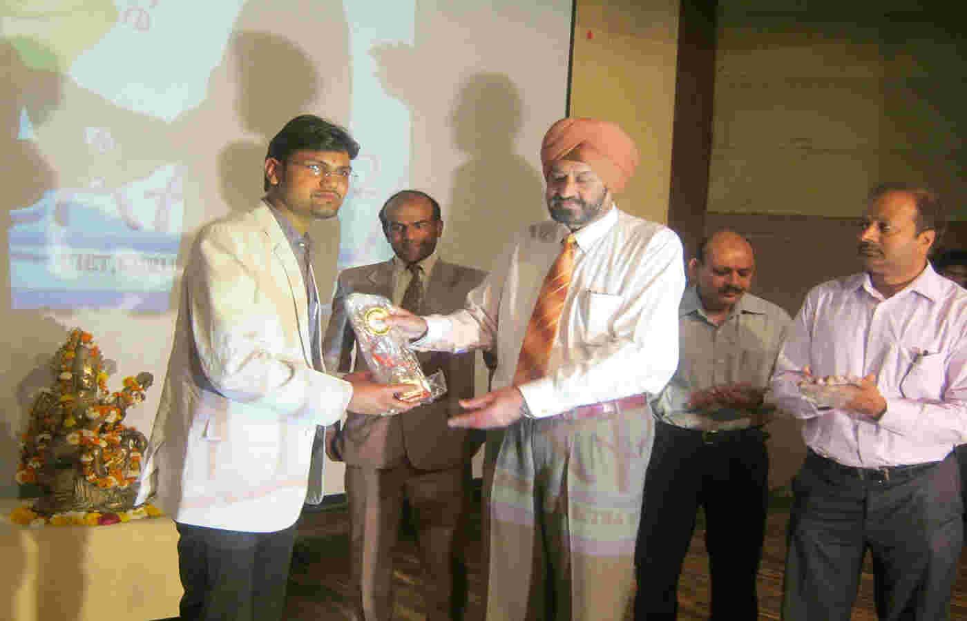 Mr Devender K Saini