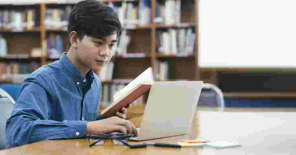 How Online Tutoring Can Help Your Future Career