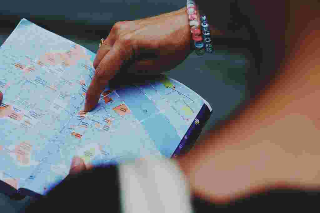 become successful travel guide