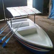 Perahu Dayung fibreglass cocok untuk wisata anda