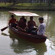 Perahu fibreglass kap 4-5 orang