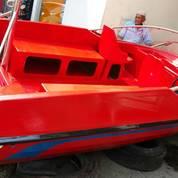 Speed Boat untuk penarik banana boat