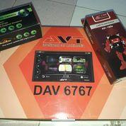 Double Din AVT DAV 6767 Bonus Antena TV & Camera Mundur