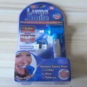 Luma Smile Alat Pemutih Gigi